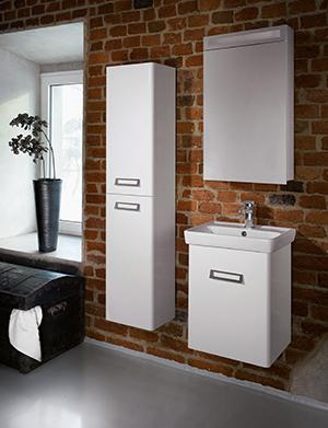 Стандартная ванная комната - дизайн с подвесной мебелью